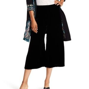 Johnny Was | Velvet Cropped Wide Leg Pants S